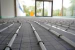 Schläuche für die Fußbodenheizung im Betriebs- und Sozialgebäude